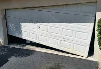 Garage Door Off Track | Wayzata | Plymouth, MN